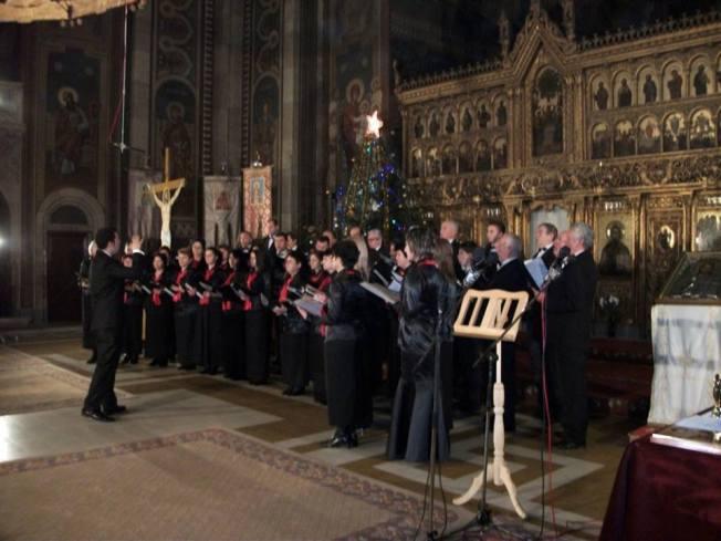 8.Corul Arhanghelii Orastie, dirijor Ioan Marius Popa