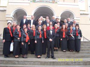 5.Corul Arhanghelii, dirijor Ioan Marius Popa
