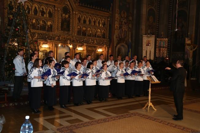 5.Corul din Valenii Somcutei dirijor drd. Cosmin Lauran