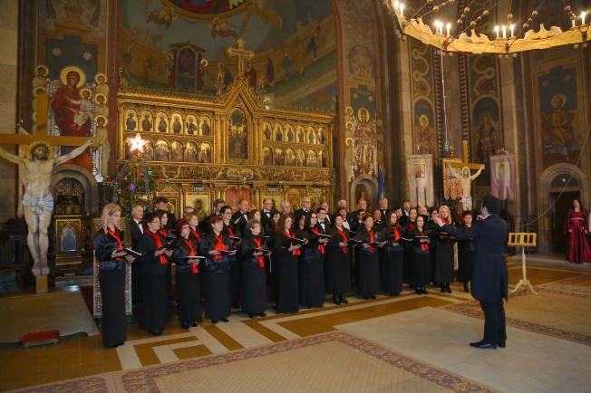 1.Corul Arhanghelii Orastie, dirijor Marius Popa