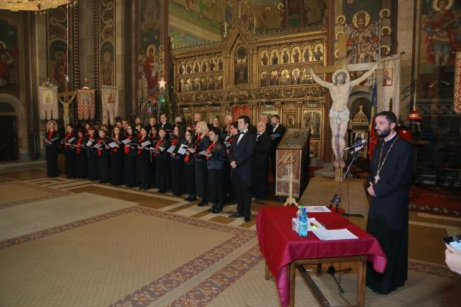 2 Corul Arhanghelii Orastie, dirijor Marius Popa