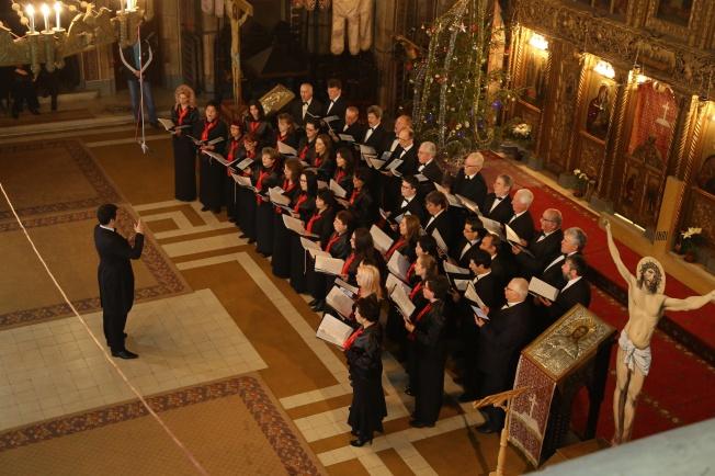 4.Corul Arhanghelii Orastie, dirijor Marius Popa