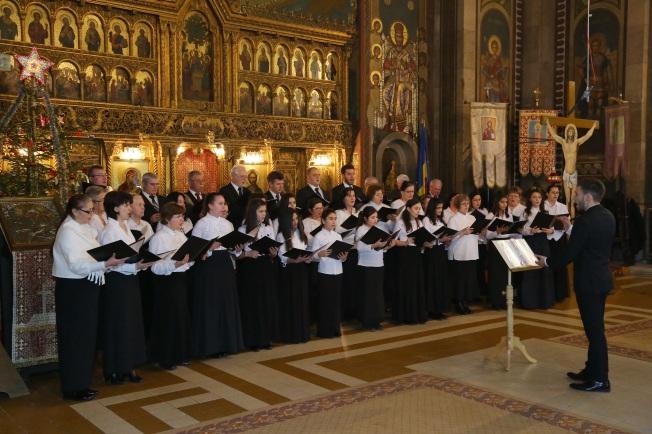 7.Corul din Aiud, dirijor Andrei Sas